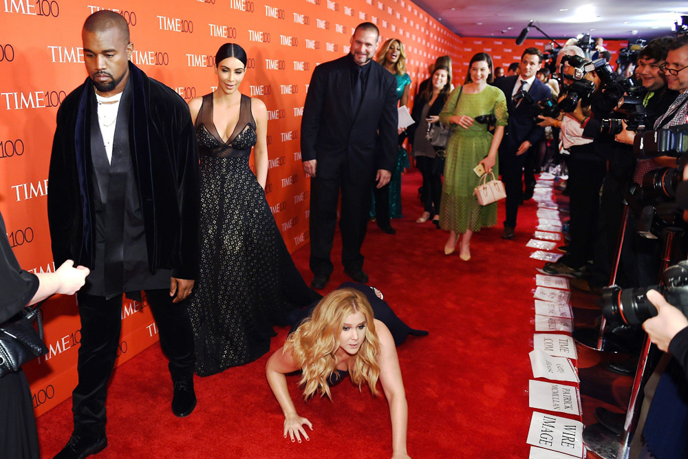 Goofy A Listers The Red Carpet Mishaps That Prove Celebrities Really Are Human Hypegalore